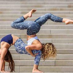 yoga nature,outside yoga,natural yoga,yoga spirit Acro Yoga Poses, Yoga Poses For Two, Dance Poses, Gymnastics Poses, Acrobatic Gymnastics, Partner Yoga, 2 Personen Stunts, Beautiful Yoga Poses, Reduce Thighs