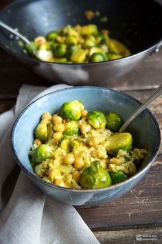 Brussels sprouts curry with chickpeas - Madame Cuisine - Dishes - . - Brussels sprouts curry with chickpeas – madame cuisine – dishes – - Easy Soup Recipes, Healthy Dinner Recipes, Beef Recipes, Vegetarian Recipes, Cooking Recipes, Macaroni Recipes, Soap Recipes, Healthy Meal Prep, Clean Eating Recipes