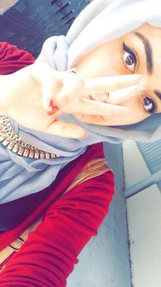 Arab Fashion, Islamic Fashion, Womens Fashion, Hijab Collection, Aesthetic Eyes, Hijabi Girl, Beautiful Hijab, Girls Dpz, Hijab Outfit