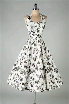 Ok, This floral dress. I love vintage dresses! Retro Mode, Vintage Mode, Moda Vintage, Vintage Black, Vintage Style, Vintage 1950s Dresses, Retro Dress, Vintage Outfits, Vintage Fashion