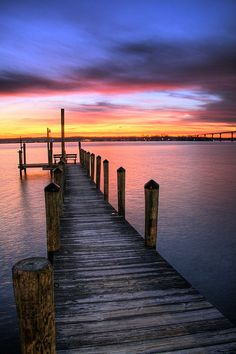 Amazing Places - about-usa: Solomon's Island - Maryland - USA (by. Amazing Sunsets, Beautiful Sunset, Beautiful Places, Beautiful Pictures, Cool Photos, Amazing Places, Vacation Deals, Vacation Travel, Usa Travel