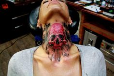 I don't like neck tattoos, but this is cool!