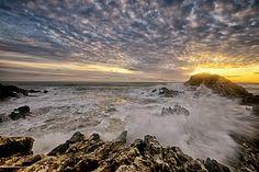 Foto: Sunset...  #mare #maredinverno #onde #tramonto #sole #raggi #scogli #Ascea #Cilento #paesaggisalernitani #Campania #campaniadavivere #Italy #italianplaces  © www.vitocoppola.com