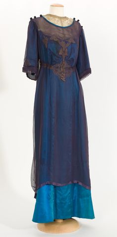 Gorgeous blue tones with dark overlay, 1900-1914