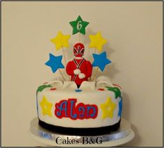 Power Rangers cake and matching cupcakes
