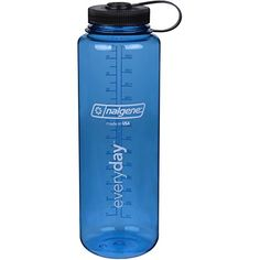 The same profile as our 32oz WM so it will fit in your pack side pocket but lets you carry more water. Like all Nalgene products it is guaranteed for life.The same profile as Nalgene's 32oz WM so it w...