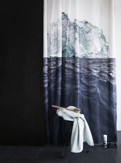 Iceberg shower curtain in a black bathroom. So gorgeously classy! My Living Room, Living Spaces, Bedroom Furniture, Home Furniture, Cool Shower Curtains, Interior Decorating, Interior Design, Decorating Tips, Bathroom Interior
