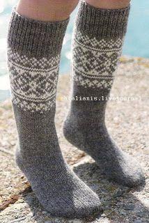 Всем,кто вяжет,дарю старые идеи для новых работ: Варежки\шапки\носки Knitting Designs, Knitting Patterns, Knee High Socks, Knitting Socks, Projects To Try, Wool, Knits, Slippers, Legs