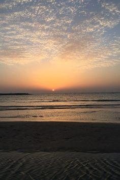 Tel Aviv - mesto, ktoré nikdy nespí   Milujem Cestovanie Tel Aviv, Bauhaus, Celestial, Sunset, Outdoor, Sunsets, Outdoors, Outdoor Games, Outdoor Living
