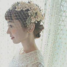 沢山共通点があった花嫁さま* 初めてお会いしたときから楽しいお話ばかりで、こうしてドレスを通じてお会いできるようになれたこと、とても嬉しかったです* エムスールさんのスズランの髪飾りとSUZUの総レースのドレス* とってもお似合いです(*^_^*) #maisonsuzu #ウェディングドレス Wedding Hats, Wedding Veils, Wedding Dress, Bohemian Hairstyles, Bride Hairstyles, Wedding Images, Wedding Styles, Pelo Vintage, Hair Arrange