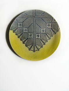 Kunst Wand Keramik Teller Plate Kunst Objekt Skulptur Ornament handgefertigt Spitze Shabby Chic blau gelb Art Deco Haus Dekoration Geschenk von KunstLABor auf Etsy