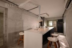 13 SMALL Homes so beautiful you won't believe they're HDB flats Vintage Industrial Decor, Vintage Home Decor, Industrial Style, Contemporary Interior Design, Interior Design Kitchen, Classic Kitchen, Kitchen Modern, Kitchen Ideas, Interior Design Singapore