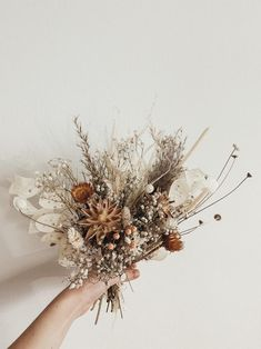 Discover recipes, home ideas, style inspiration and other ideas to try. Dried Flower Bouquet, Flower Bouquet Wedding, Dried Flowers, Boquet, Bridesmaid Bouquet White, Floral Wedding Decorations, Wedding Centerpieces, Dried Flower Arrangements, Rustic Bouquet