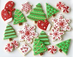 Christmas Cookies Galore – Glorious Treats from christmas sugar cookie decorating ideas Christmas Sugar Cookies, Christmas Sweets, Christmas Cooking, Noel Christmas, Christmas Goodies, Holiday Cookies, Holiday Treats, Easy Christmas Cookies Decorating, Homemade Christmas
