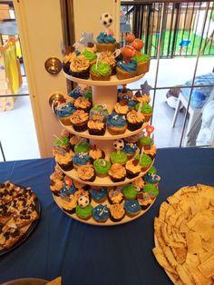 Its a BOY mini cupcakes