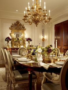 Get the trendy dining room look of 2017 with a dining sofa inside Elegant Dining Room, Luxury Dining Room, Beautiful Dining Rooms, Elegant Home Decor, Elegant Homes, Dining Room Design, Dining Room Furniture, Modern Furniture, Dining Sofa