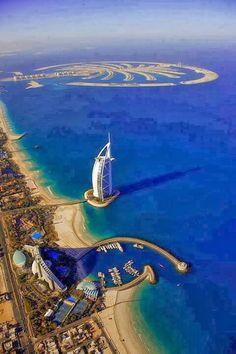 Aquí tenemos el paisaje de La ciudad de Dubai, donde vemos el gran hotel dentro de el mar, y un poco de la ciudad.