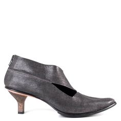 Cutouts across the instep emphasize the effortless sophistication of the Create by Cydwoq. This shoe is great for transitioning from day to night and will be an impressive addition to your wardrobe th