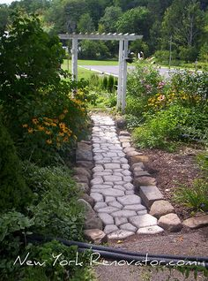 Concrete walkmaker with stone (or paver) border!