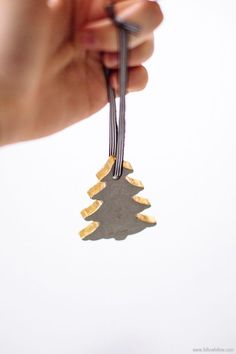 I really enjoyed working with cement for this votive DIY I did a while ago, and have been trying to think of a way to use it again in a new way.. and then these decorations popped into my head! Perfect! Don't you think they'd look great hanging on a Christmas tree? They're super cute,Continue Reading >