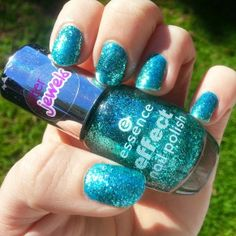 Whimsy Is Forever: NOTD - Sparkly Mermaid Nails