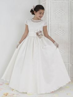 Damaris - Aire Barcelona 2014 First Communion Collection Little Dresses, Girls Dresses, Flower Girl Dresses, Flower Girls, Prom Dresses 2017, Wedding Dresses, Holy Communion Dresses, Girls White Dress, Denim Overall Dress