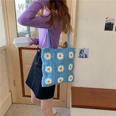 Mode Crochet, Bag Crochet, Crochet Daisy, Crochet Gifts, Crochet Clothes, Crochet Stitches, Crocheted Bags, Flower Crochet, Crotchet