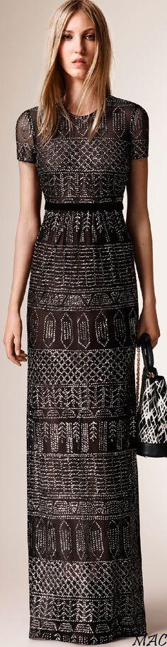 Burberry Prorsum Resort 2016 Look 28 of 30 Fashion Week, Fashion Models, High Fashion, Fashion Show, Womens Fashion, Fashion Design, Fashion Trends, Modest Fashion, Burberry Prorsum