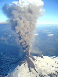 An eruption on forced the evacuation of hundreds of people from nearby villages. A column of smoke approx. ft high was observed. All Nature, Science And Nature, Amazing Nature, Natural Phenomena, Natural Disasters, Mother Earth, Mother Nature, Volcan Eruption, Places Around The World