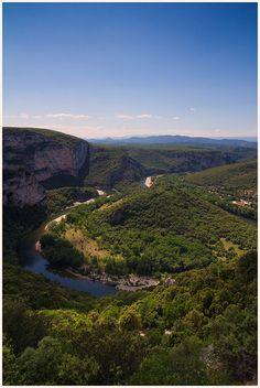 Les gorges de l'Ardèche : des vacances « grandeur nature »