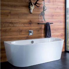 freistehende badewanne im badezimmer mit altholz einrichtung pinterest. Black Bedroom Furniture Sets. Home Design Ideas