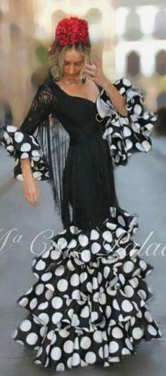 Pasarela Flamenca Flamenco Costume, Flamenco Dancers, Casual Dress Outfits, Trendy Dresses, Summer Dresses, Latin Ballroom Dresses, Dance Dresses, Flamenco Dresses, Spanish Dress