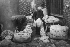 German merchants and grain sacks
