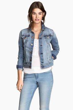 J'aime j'aime j'aime les vestes en jean un peu délavées ♥ par H&M  A mettre dans la liste des choses à acheter :D