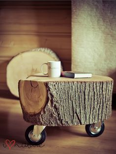 Stump table   no instructions, just the pic for the inspiration.  Would be great in a cabin. Cute.