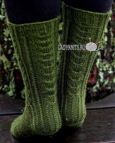 Красивые женские носки спицами, описание