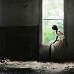 Alex Stoddard, Alla finestra
