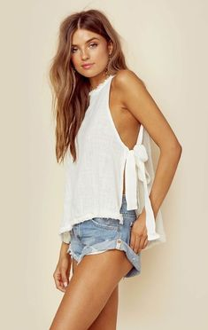 Low cut blouses that you have to get this season , Low cut blouses that you have to get this season Boho Fashion, Fashion Outfits, Womens Fashion, Fashion Design, Fashion Clothes, Preppy Fashion, Fashionable Outfits, Women's Summer Fashion, Women's Clothes