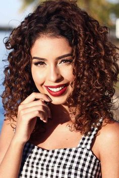When heading to your next hair appointment, tuck one of these gorgeous shoulder-length hairstyles up your sleeve and leave feeling fresh and stylish! Shoulder Length Curly Hair, Curly Hair Cuts, Short Curly Hair, Curly Hair Styles, Natural Hair Styles, Shoulder Hair, Curly Bob, Easy Hairstyles, Straight Hairstyles