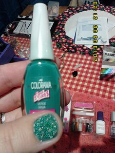 Colorama Verde Ninja and green and silver nail caviar (20)