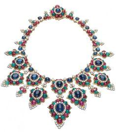Bulgari. Collana in oro, smeraldi, rubini, zaffiri e diamanti del 1968