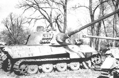 A Tiger II at a weapons collection point in Hungary belonging to s. Barely visible is the number applied by a Russian technical intelligence team. Tiger Ii, Diorama, Tiger Tank, Ww2 Tanks, Battle Tank, World Of Tanks, Photo Dump, Budapest Hungary, Panzer