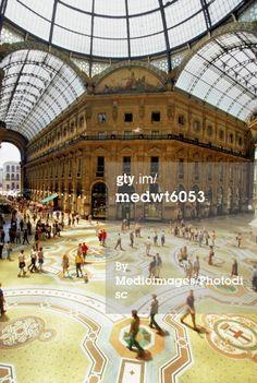 免版稅圖片:廣場Vittorio Emanuele的意大利米蘭