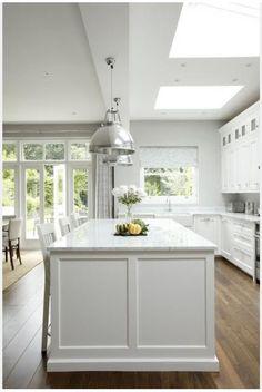Awesome Classic American Kitchen Style Ideas For Your Home Kitchen Ikea, Kitchen Living, Kitchen Interior, New Kitchen, Kitchen Layout, Kitchen Themes, Country Kitchen, Kitchen Cabinets, Stylish Kitchen