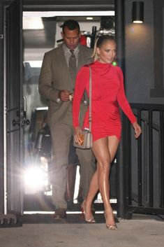 Jennifer Lopez Flaunts Toned Legs In Red Mini-Dress While Out With Alex Rodriguez -- See the Sizzling Look Alex Rodriguez, Best Street Style, Street Style Looks, J Lo Fashion, Fashion Outfits, Street Fashion, Christian Louboutin, Valentino Gowns, Merian