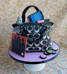Coach purse cake > LOVE