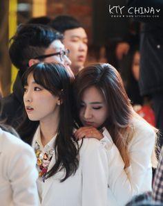 TaeYul,2014,Mr. Mr., fan sign,hug,taeyeon,yuri,YulTae