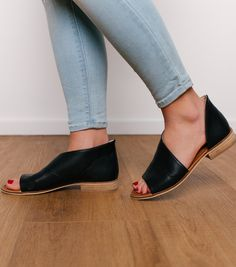 Open toe flat shoe with low stacked heel Open Toe Flat Shoes, Narrow Shoes, Women's Shoes Sandals, Shoes Sneakers, Heels, Velcro Shoes, Adidas Shoes Women, Latest Shoe Trends, Online Clothing Boutiques