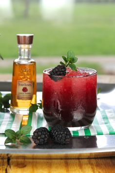 Blackberry Mint Julep Cocktail from Miss in the Kitchen // Perfect for Derby Day tomorrow!
