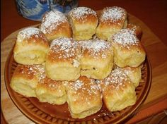 Show details for Recept - Honzovy buchty 20 Min, Hamburger, Cake Recipes, French Toast, Food And Drink, Bread, Dishes, Breakfast, Sweet